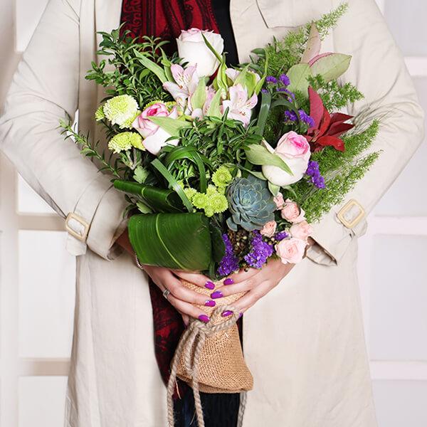 گل رز تولد | دسته گل اروپایی گلبیشه EGBE3 - گل فروشی گلبیشه